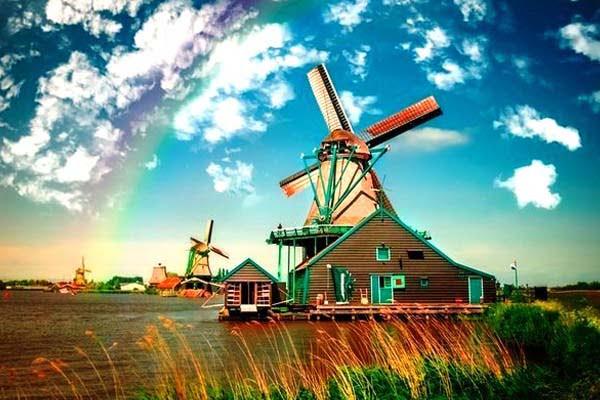 Амстердам та Париж