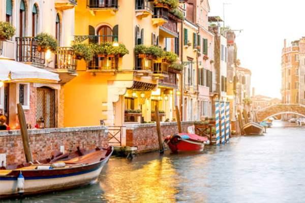Тури в Італію