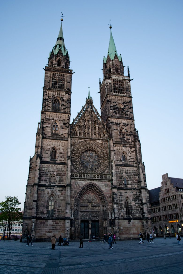 Нюрнберг церковь святого Лоренца