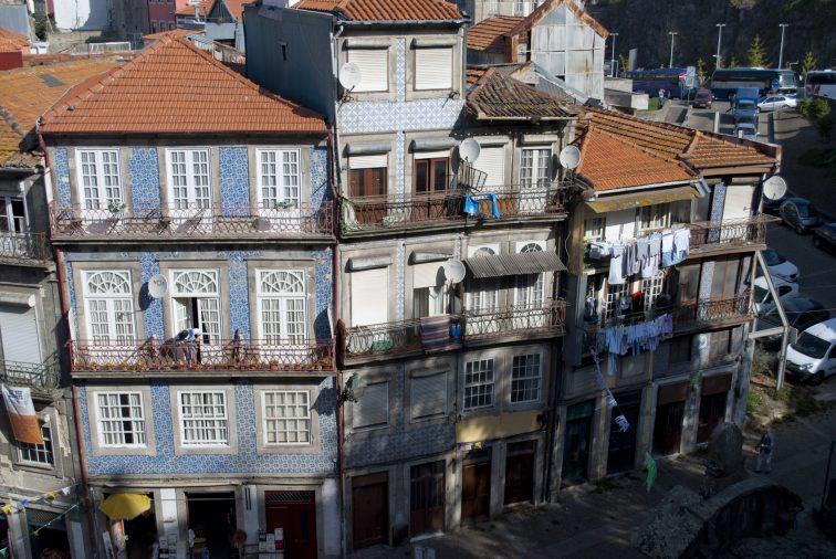 португалия сколько брать денег