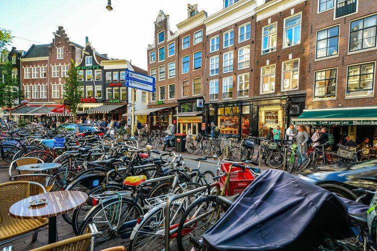 Амстердам деньги