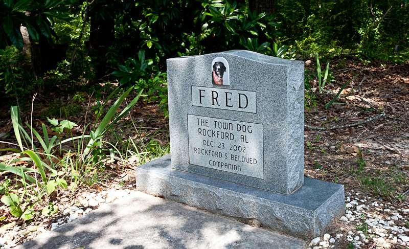 Freds Grave Rockfords Town Dog East Alabama Travel Destinations