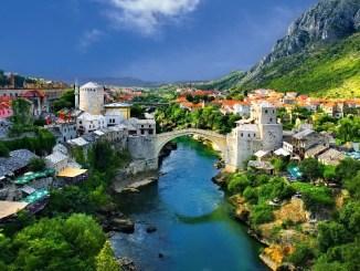 mostar-old-town-old-bridge