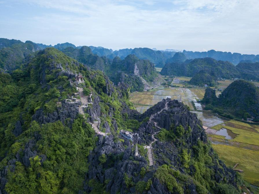 Muacave 1024x767 Northern Vietnam Tour Package