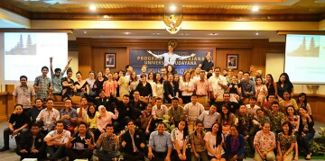 KUNJUNGAN DARI MONASH AUSTRALIA: Kunjungan mahasiswa National Centre for Australian Studies, Monash University, ke Prodi S-2 Kajian Pariwisata  Universitas Udayana, 8 December 2014.  Rombongan dari Monash dipimpin oleh Dr. Agnieszka Sobocinska, Deputy Director National Centre for Australian Studies, Monash University.