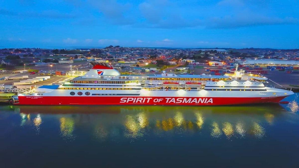 tourism-guide-Australia-spirit-of-tasmania-devonport