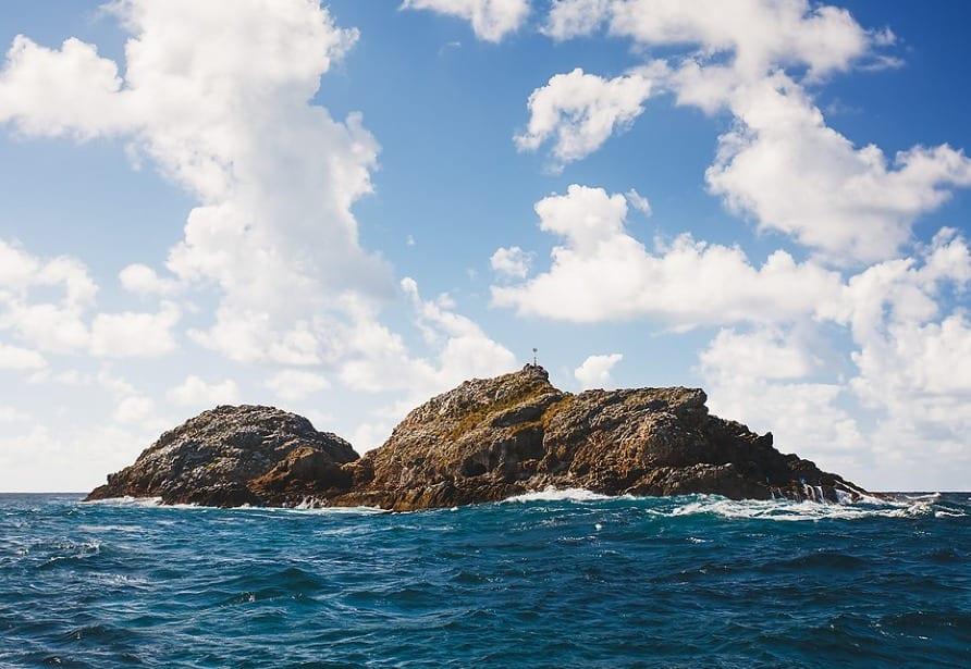 tourism-guide-australia-julian-rocks-byron-bay