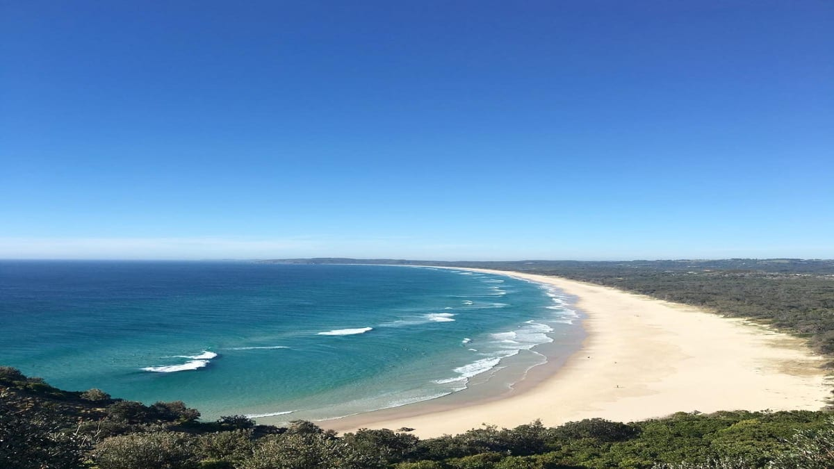 tourism-guide-australia-tallow-beach