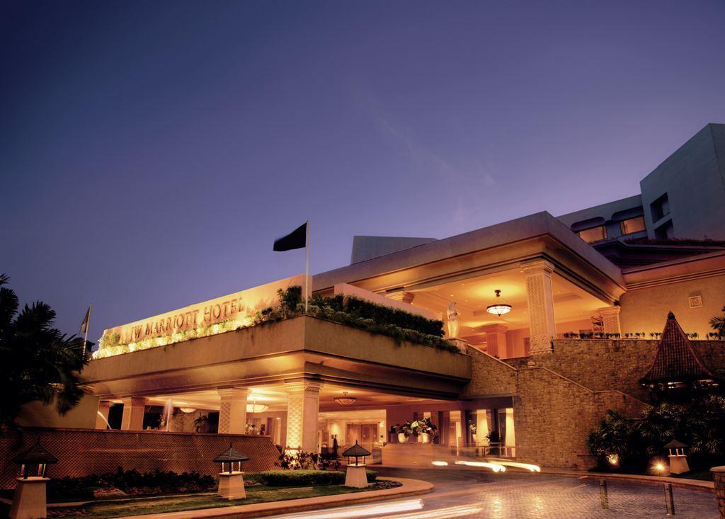 JW Marriott Mumbai – Exterior Entrance