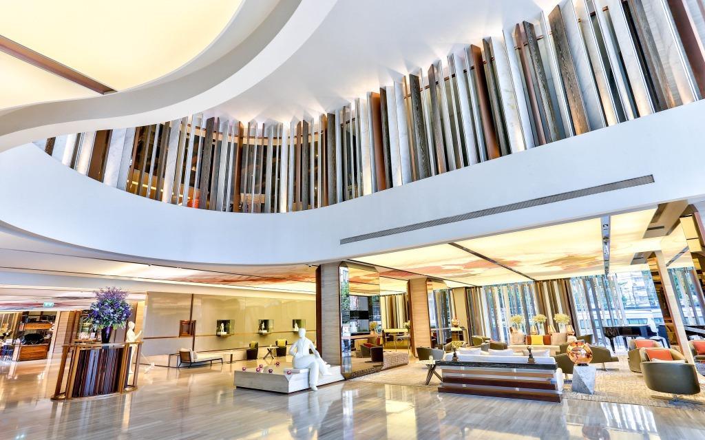 Hilton Lobby3
