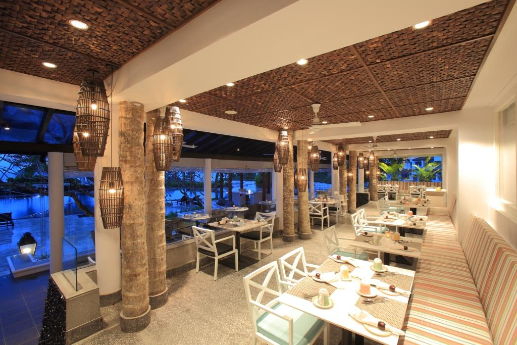 PALMS – Main Restaurant terrace