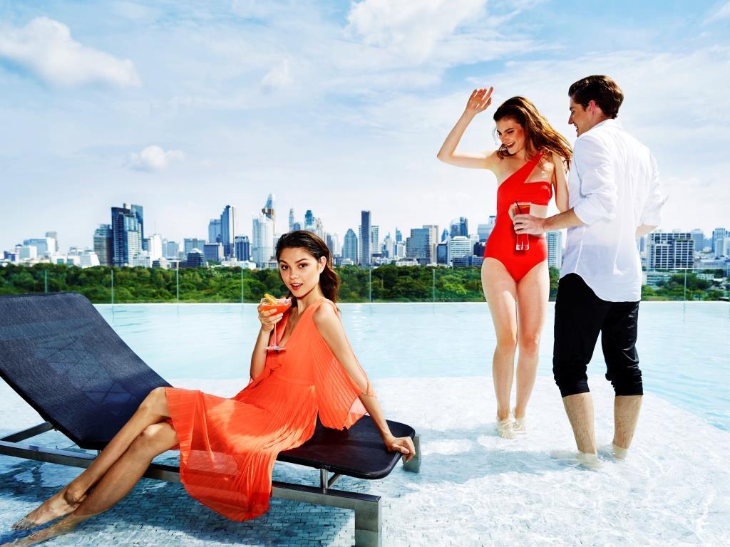 SO Sofitel Bangkok – Infinity Pool 05 (by Anson Smart)