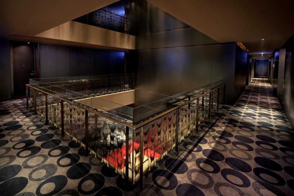 SO Sofitel Bangkok – Metal Atrium 02 (by David Dinh)