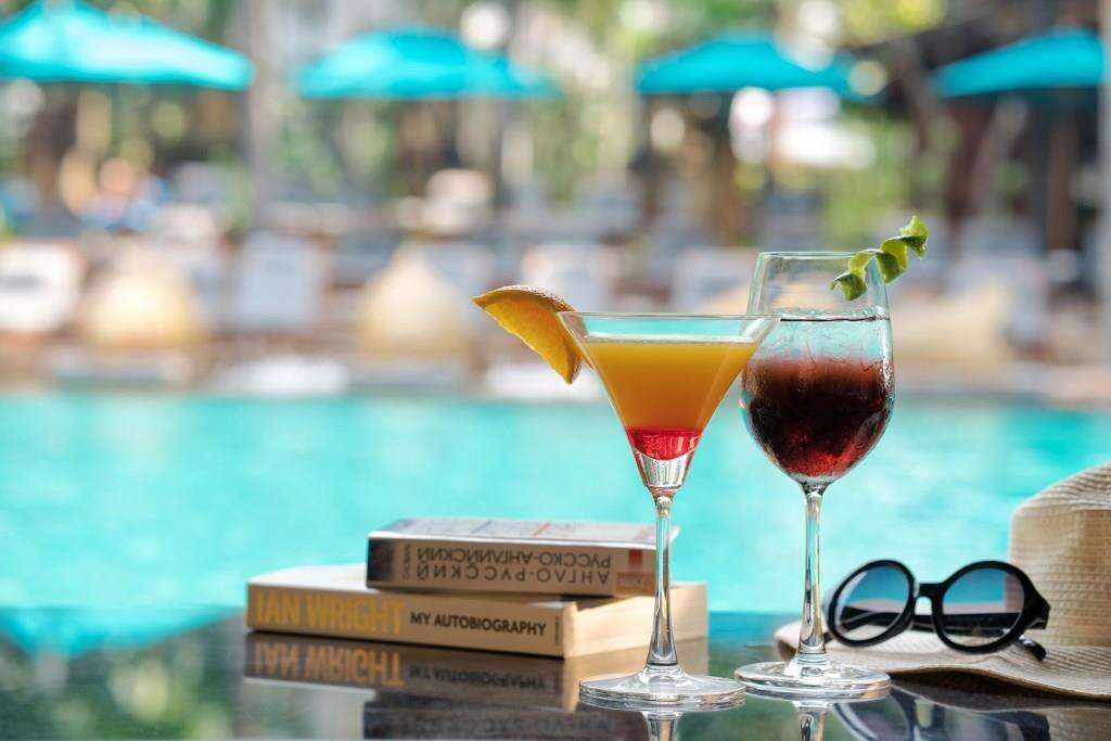 AVANI Pattaya_Pool_Cocktails