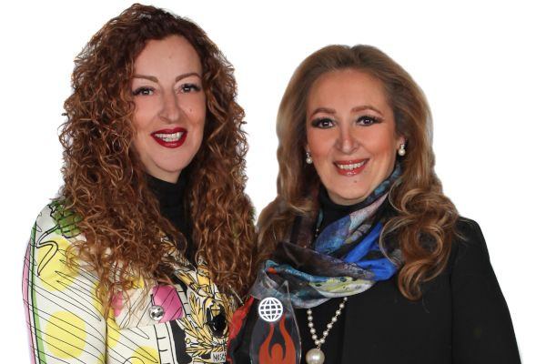 mousbe-sisters-mideast-buzz-awards