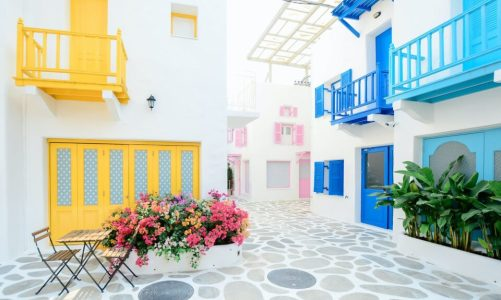 Μελέτη ΙΝΣΕΤΕ: Στις πρώτες προτιμήσεις των τουριστών η Ελλάδα