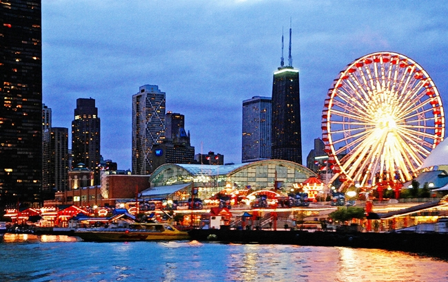 Top 10 Best Places to Visit in Chicago 2018   Tourist2traveler com The Navy Pier by Night   Best Places to Visit in Chicago