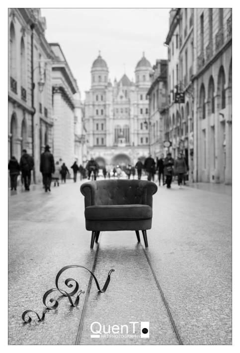 Gaston l'escargot bourguignon rencontre le fauteuil voyageur de QuenT Photography, photo QuenT Photography