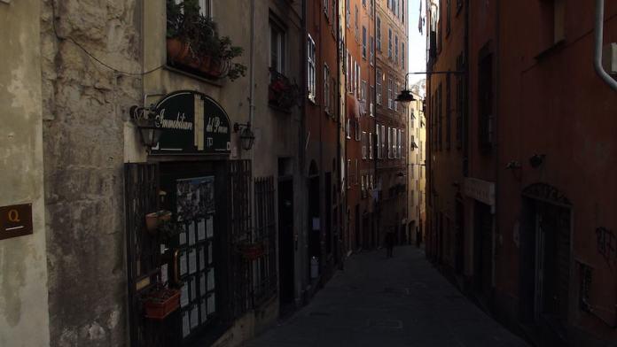 smalle straatjes, Genua