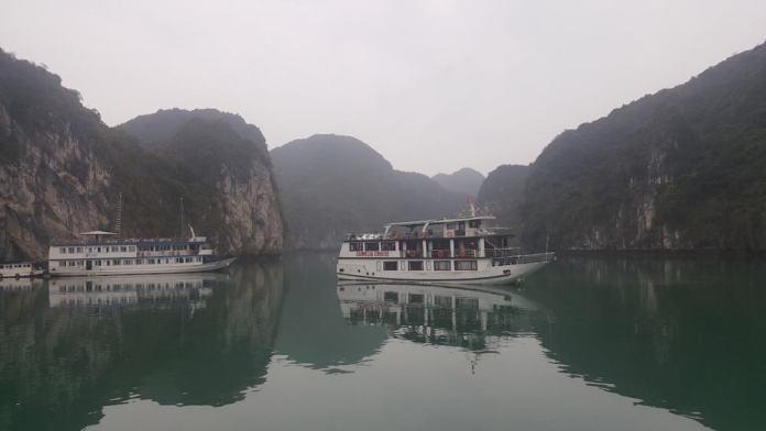 Cruise Ha Long Bay