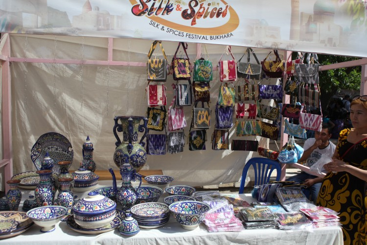 La céramique de Rishtan à Boukhara ©Doca Tours