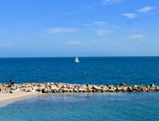 La plage d'Antibes