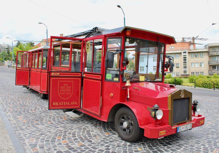 Bus touristique à Bratislava