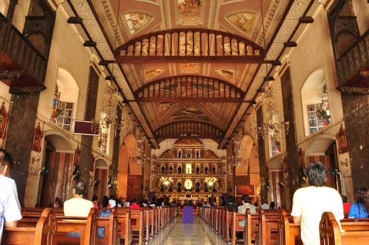 Tourist Spots in Cebu City Basilica De Santo Nino Cebu