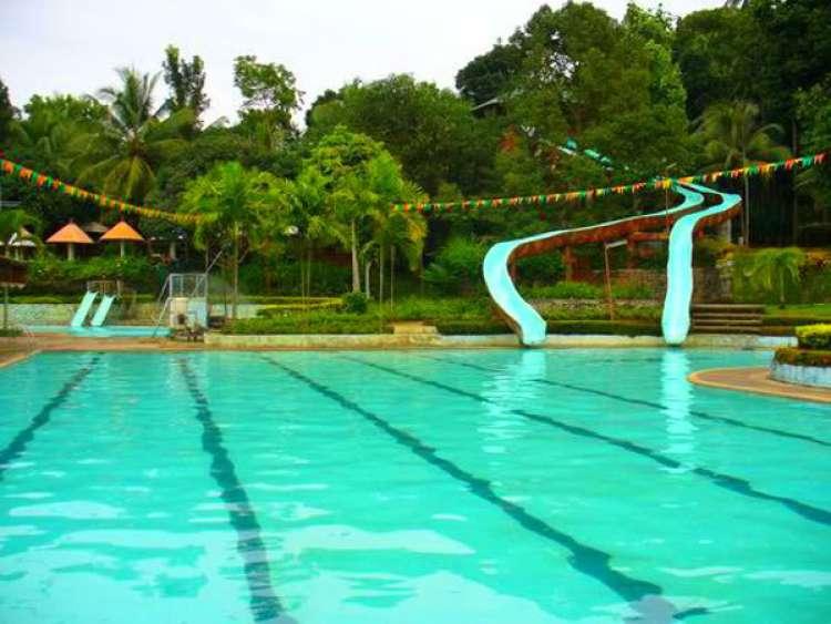 Maze Park and Resort