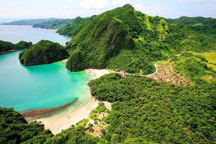Gota Island Caramoan