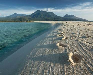 White Island - Camiguin Tourist Spots Featured