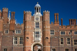 Hampton Court Palace Tour: Private London Guide | Tour London