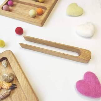 Pince en bois Montessori