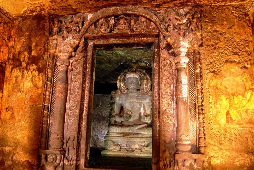 статуя будды в аджанте
