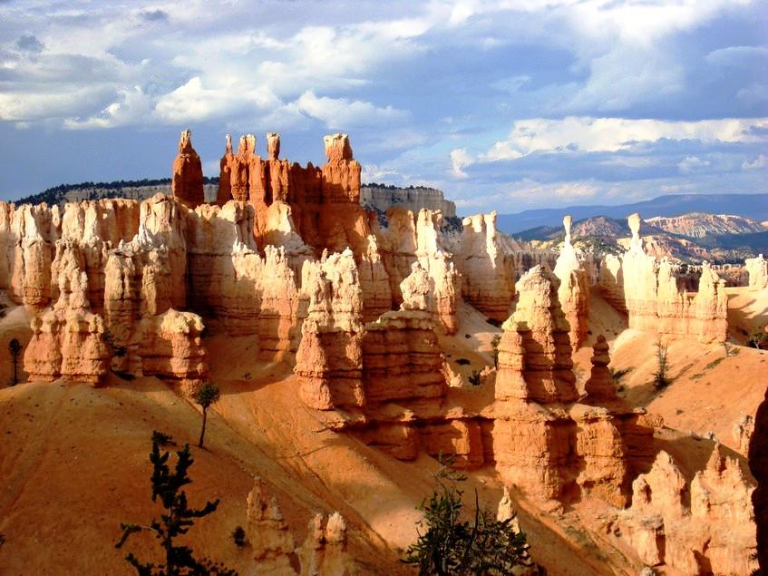 каменные изваяния брайс каньона