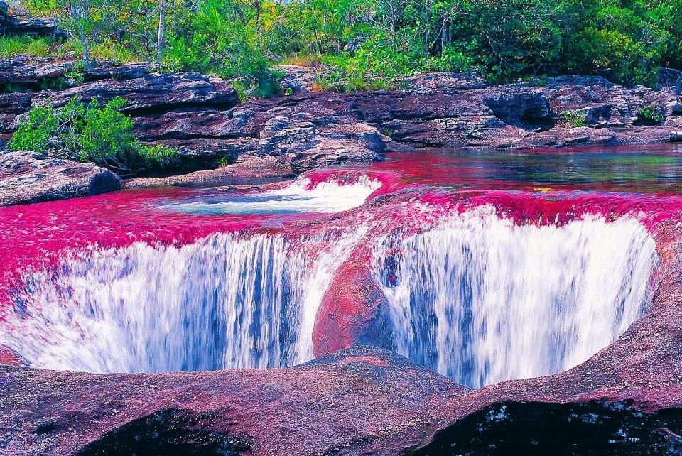водопад на реке каньо кристалес