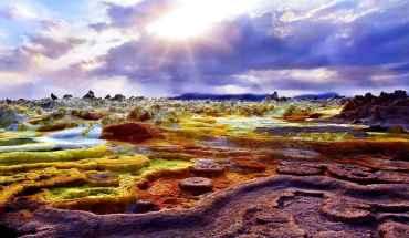 яркие краски вулкана