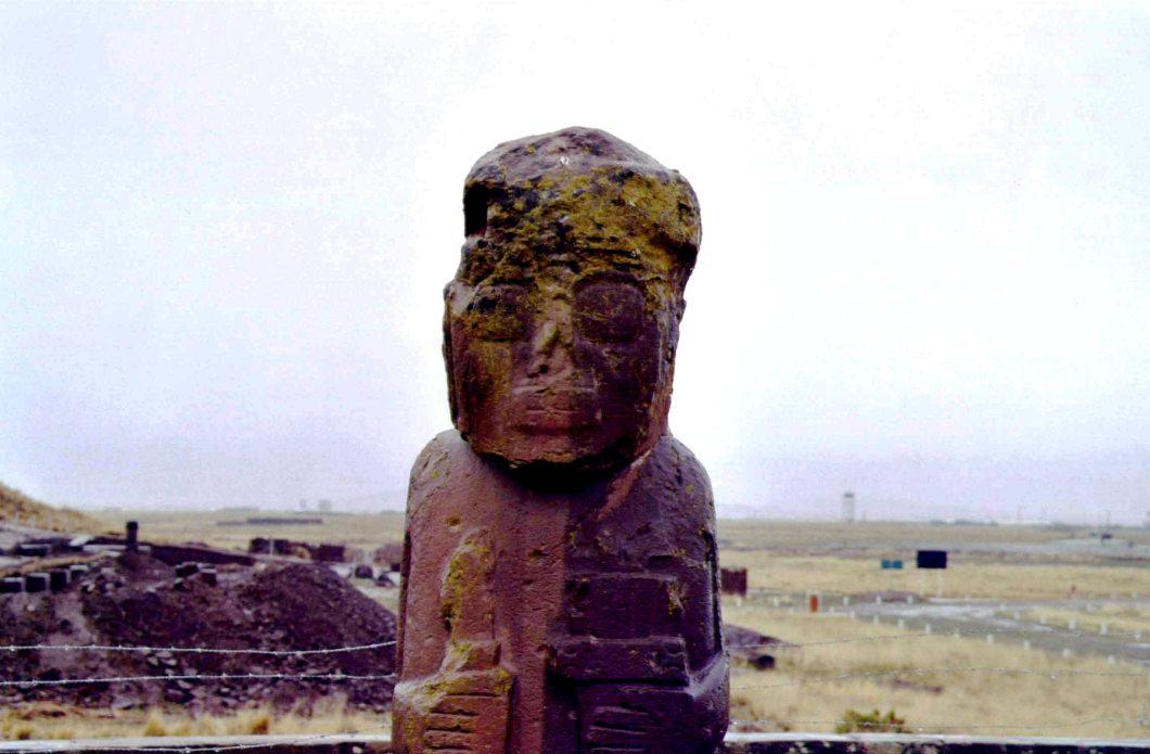 статуя тиауанако