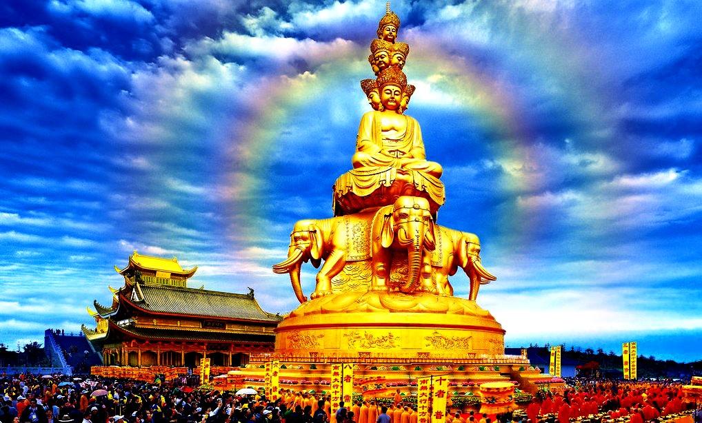 многоглавый Будда горы Эмэй