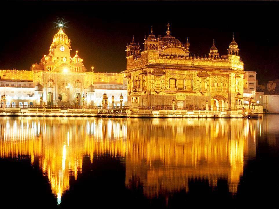 отражение золотого храма