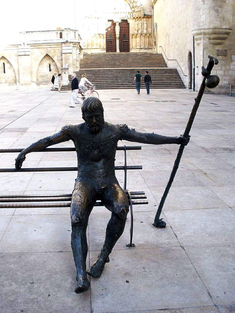 статуя пилигриму
