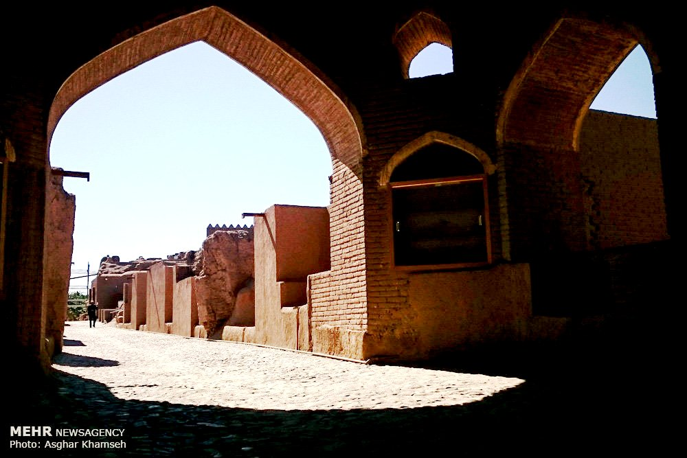 внутри крепости бам