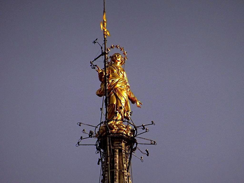 золотая мадонна