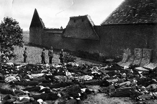 Horror social nacionalista nazi con el exterminio de todo un pueblolidice