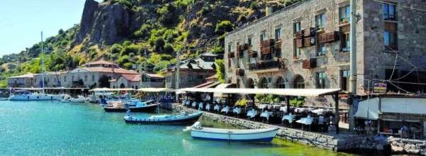 Assos Hotels