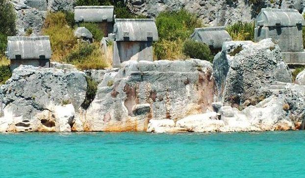 Aperlai - Heart of Amazing Lycian Purple