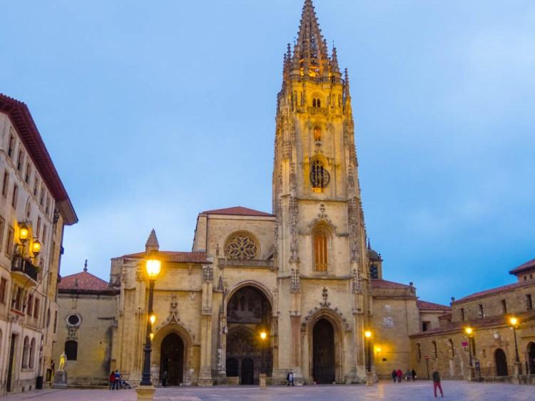 Night illumination of the Cathedral in Oviedo's Plaza Mayor