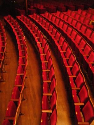 fauteuil theatre Que voir au Festival d'Avignon In