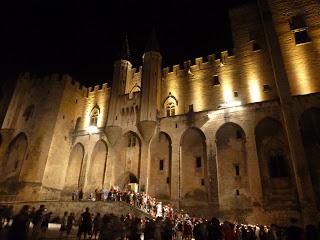 palais papes nuit avignon