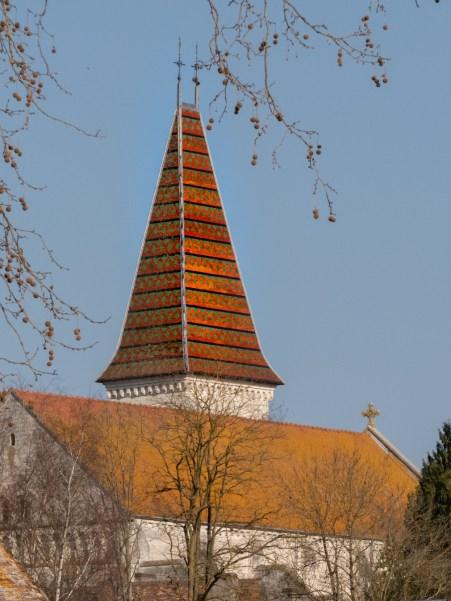 visiter preuilly sur claise  clocher tuiles vernissées